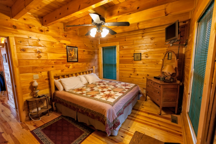 ... North Carolina Cabin Rental   Gallery Image #2. KING BEDROOM DOWNSTAIRS