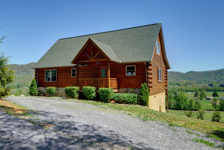 Incroyable Spacious Cabin With Beautiful Views Of Valley And Mountains! Easy Driving  On Pavedu2026 Maggie Valley, North Carolina Cabin Rental ...