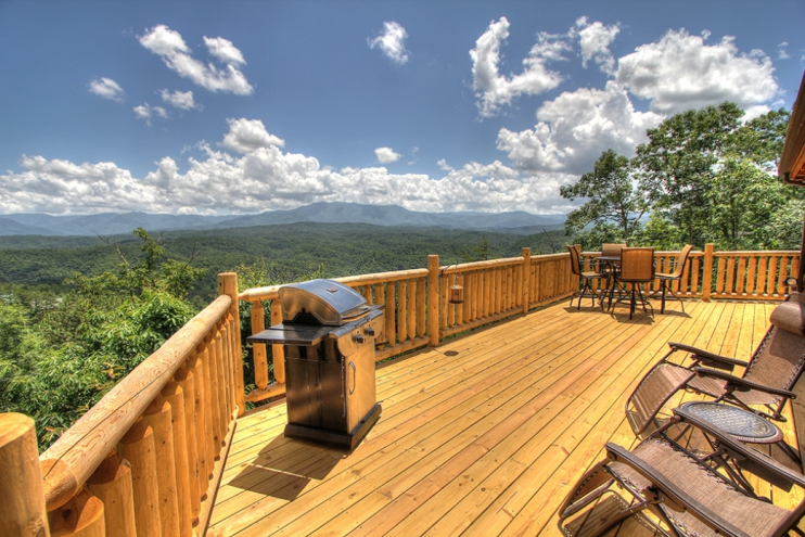 Vacation Rental property in Sevierville, TN offering a deal!