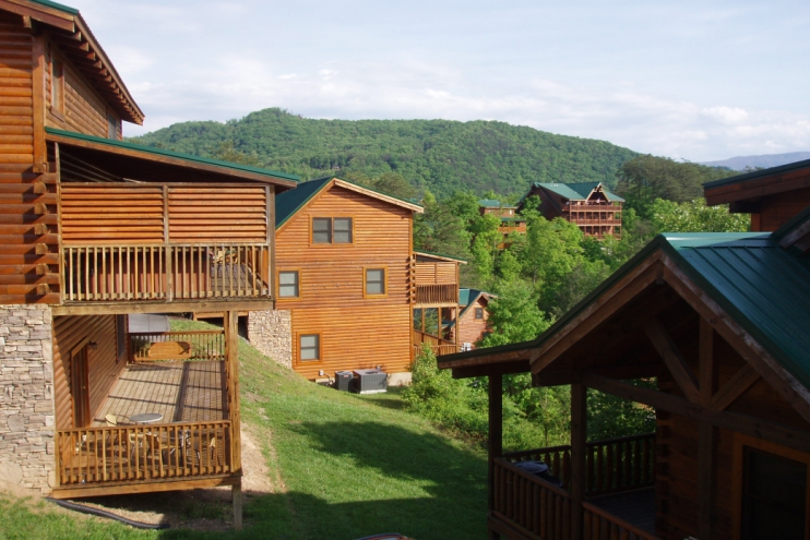 Papa bear lodge eagles ridge north pigeon forge for Eagles ridge log cabin