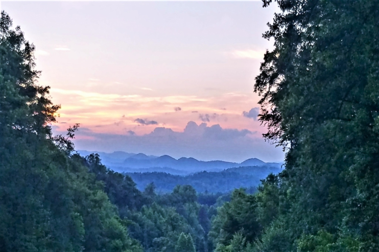 Franklin, North Carolina Cabin Rental - Gallery Image #4
